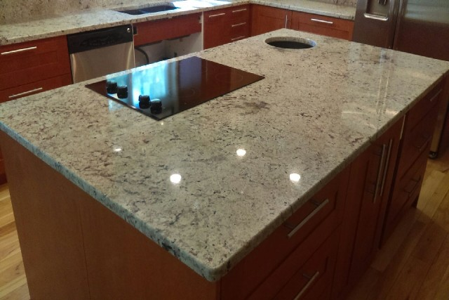 Snow flakes granite with double radius edges 779